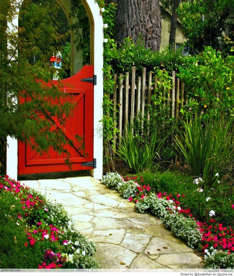 Lovely 20 Cottage Style Landscaping Ideas To Enhance Your: Garden Gates And Fencing, Cottage Garden