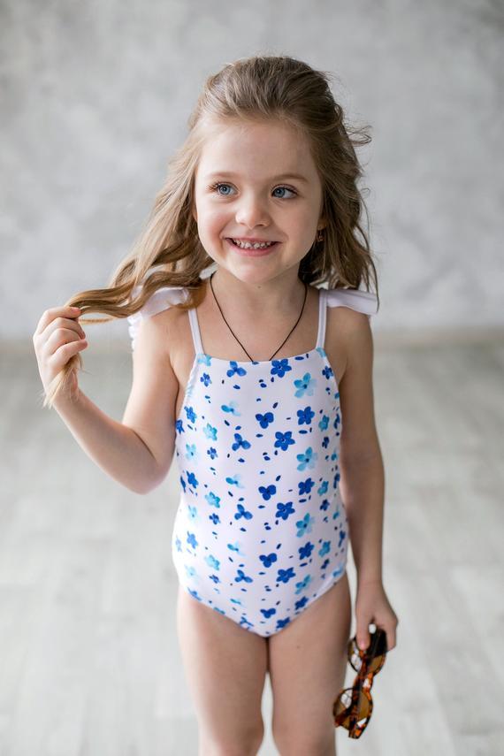 Young teen girl bathing suits