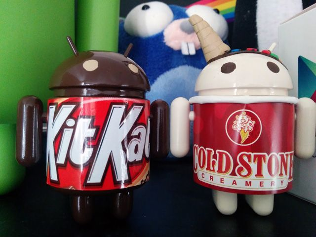 Louis Gray of Google, the one obsessed with Android figurines, got two more to add to his collection.  These are not sanctioned ones, in fact, they are hacked versions with the Cold Stone Creamery & K
