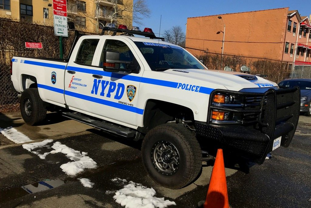 Nypd Ess 3 Emergency Service Squad 3 Highwater Rescue 8219 Chevy Silverado 2500hd Police Cars Police Truck Us Police Car