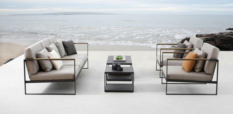 Outdoor Loungemöbel eine lounge sitzgruppe in grauen farben aus metall und teakholz