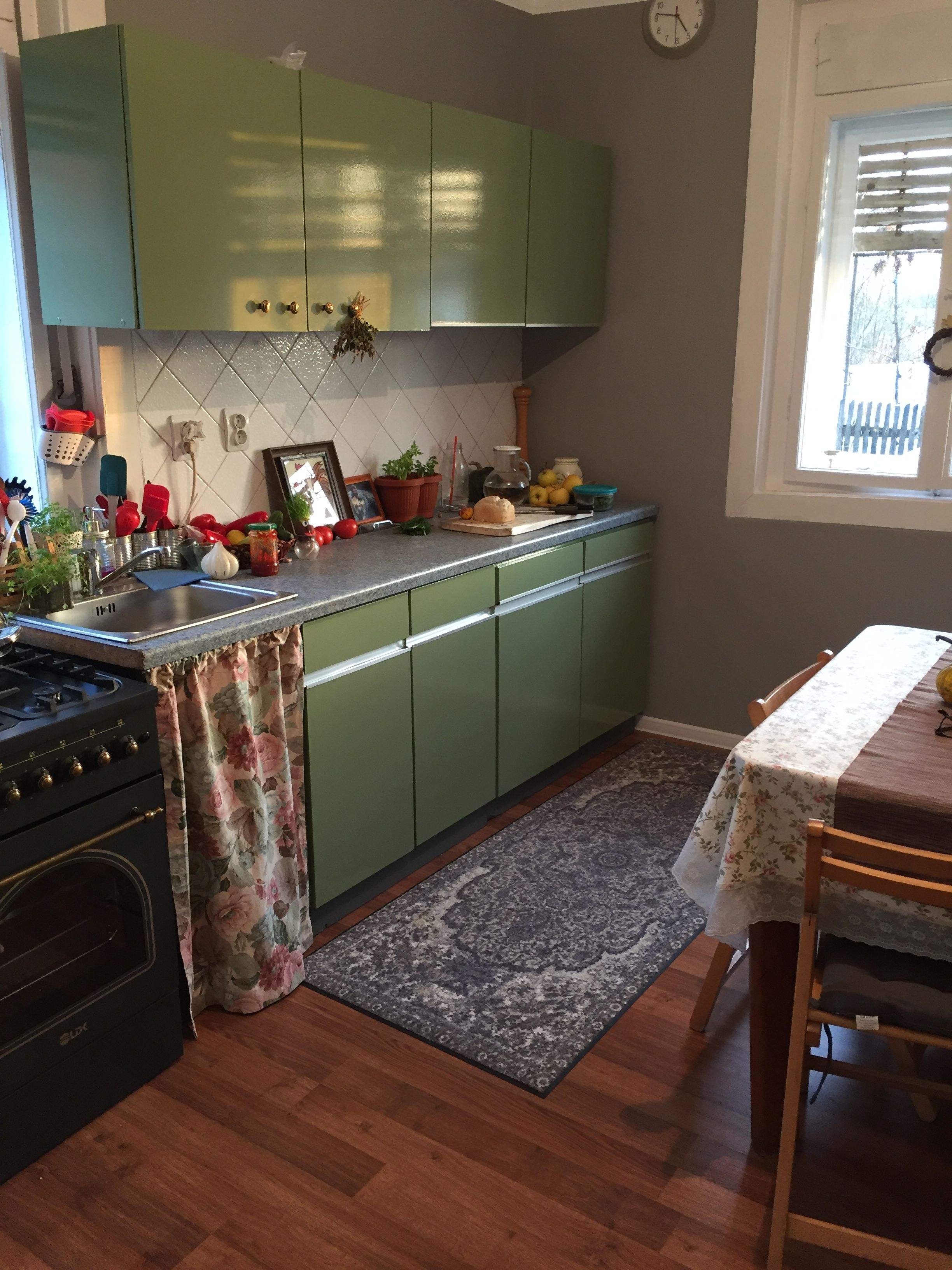 Country kitchen green kitchen cabinets olive cabinets ...