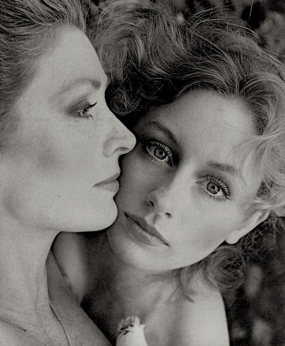 e8a2fe6ad6 Suzy Parker and daughter Georgia photographed by Richard Avedon 1961 ...