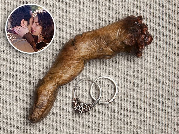 the walking dead sanders used an antique set he purchased 20 years ago which - Used Wedding Rings For Sale