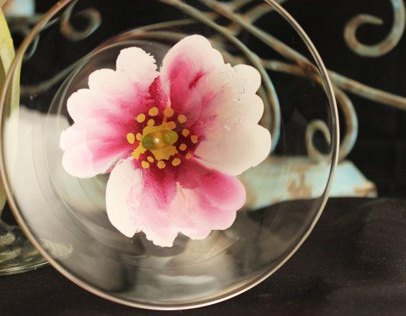 Mano pintada Martini Glass1 boda Drinkware flores por PaintedPetalz