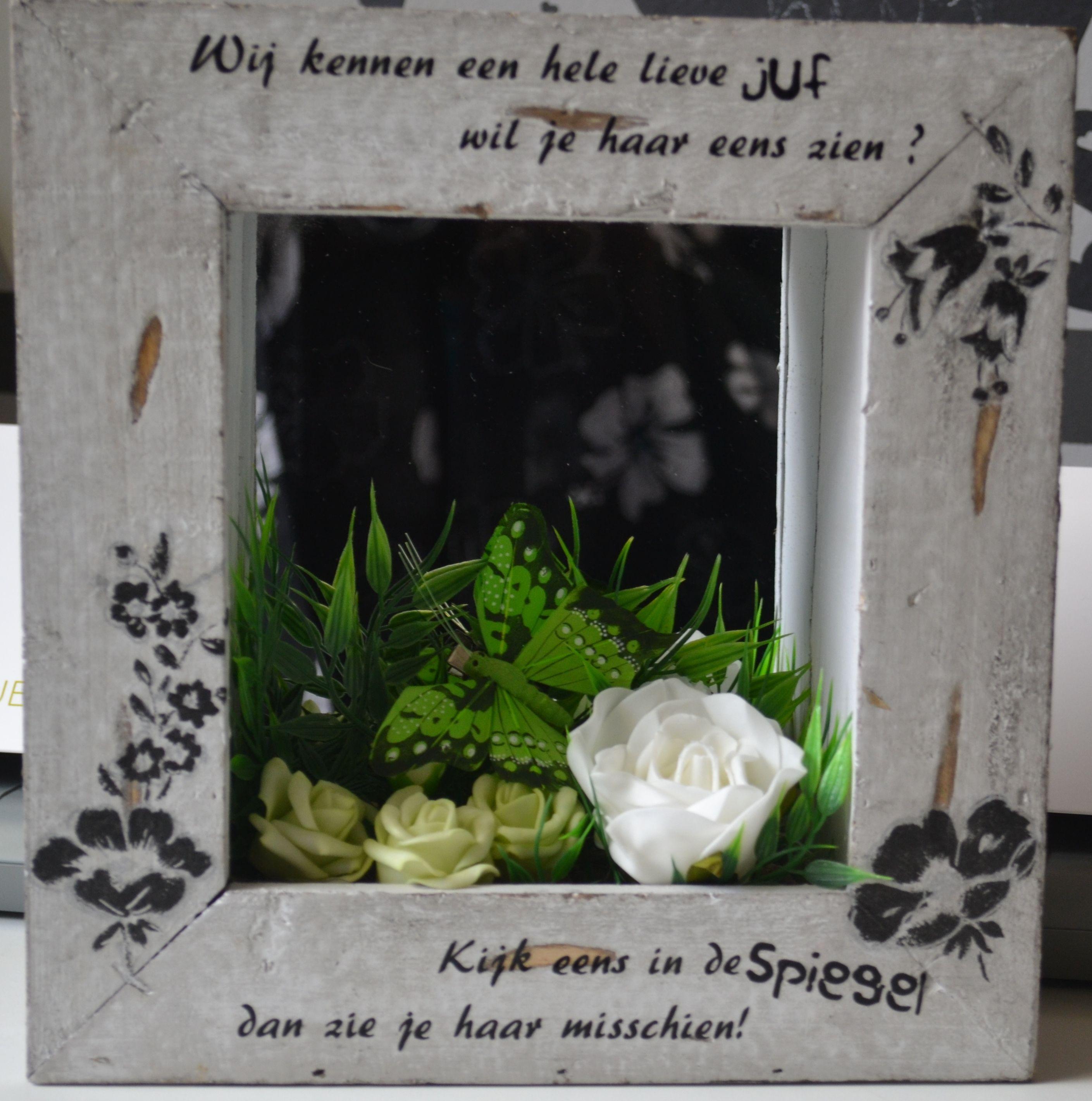 Afscheidsfeest Juf Liliane Bijhorend cadeautje: 'Spiegel met tekst'