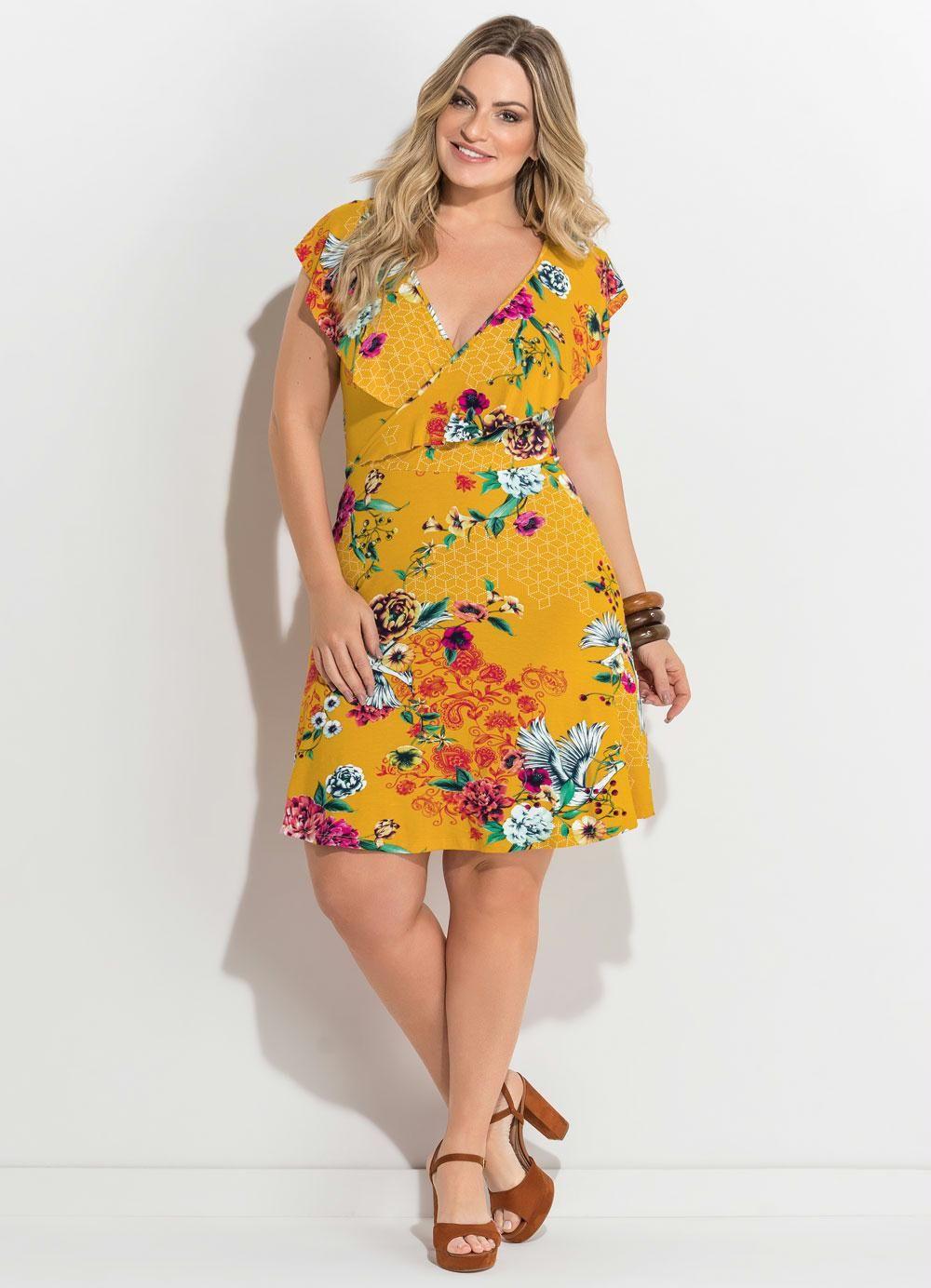 a3d2ec8b4e Vestido Transpassado Estampado Amarelo Plus Size - Quintess ...