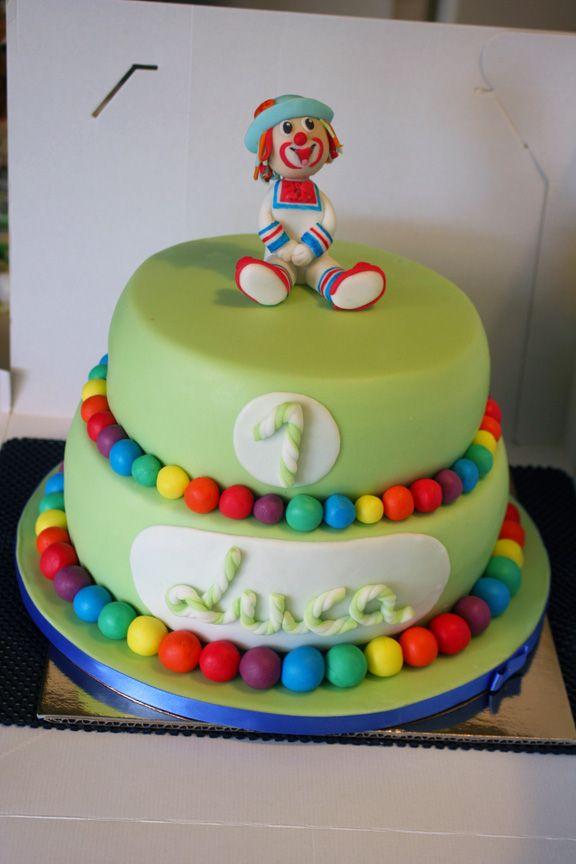 Astonishing Simple Cake For A First Birthday Birthdays Birthday Cake First Funny Birthday Cards Online Necthendildamsfinfo
