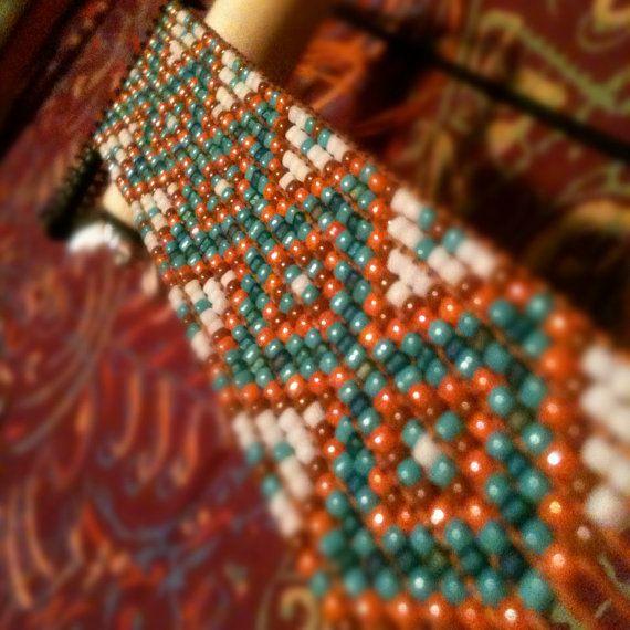 Pulsera de telar de grano de diamante diseño por WanderlustArtistry