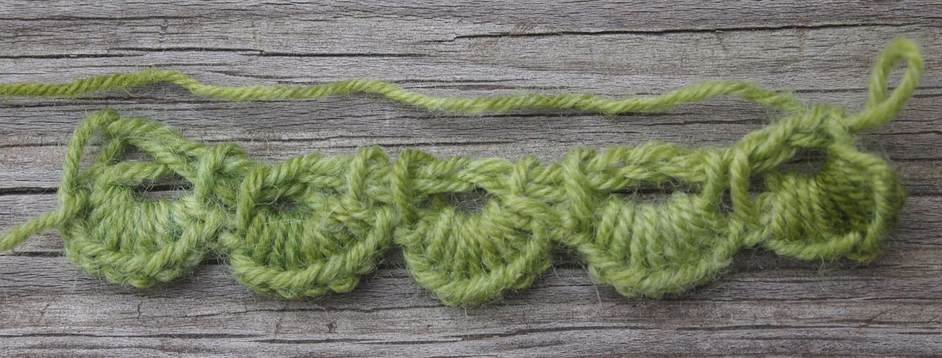 I saw a link to a phototutorial for making this cast on on Pinterest, so I tried it out for knitting and Tunisian crochet. Pretty cool, isn't it? I wish I could credit the original instructions for...