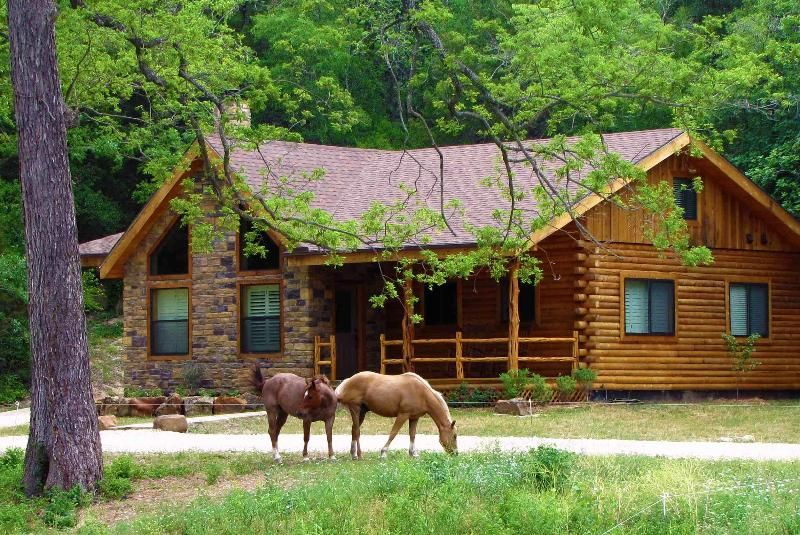 "Vacation house with ""Billy & Boots"" (ranch quarter horses)"