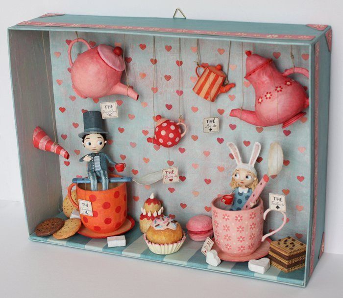 Chloé Remiat - Little box, paper MACHET doll framed teapot Alice in wonderland scene