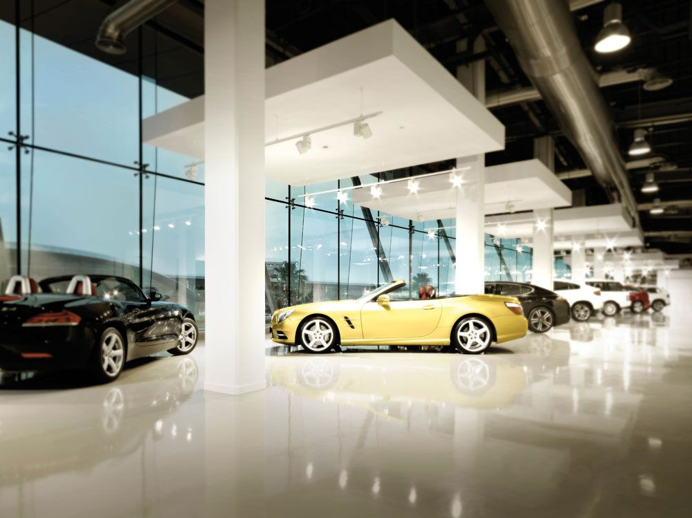 Car showroom exclusive google search dise o ii taller automotriz garaje y taller - Iluminacion interior coche ...