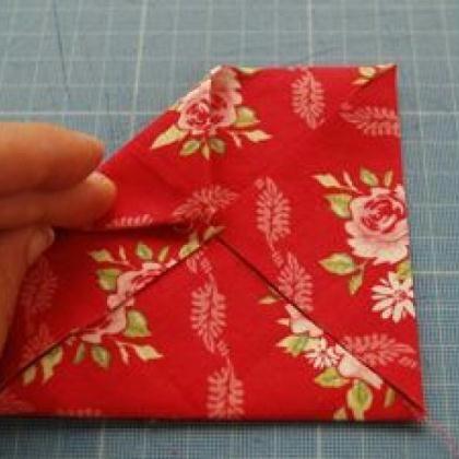 Fabriquer une fleur en tissu : tuto simple - Idées conseils et tuto Couture