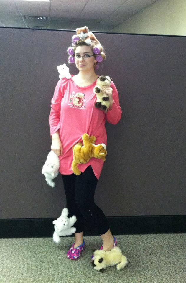 creative halloween costume for the office crazy cat lady