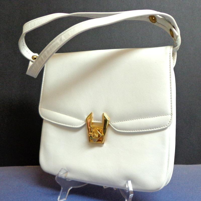 White Genuine Leather Purse Top Quality Made In Canada Pristine Condition