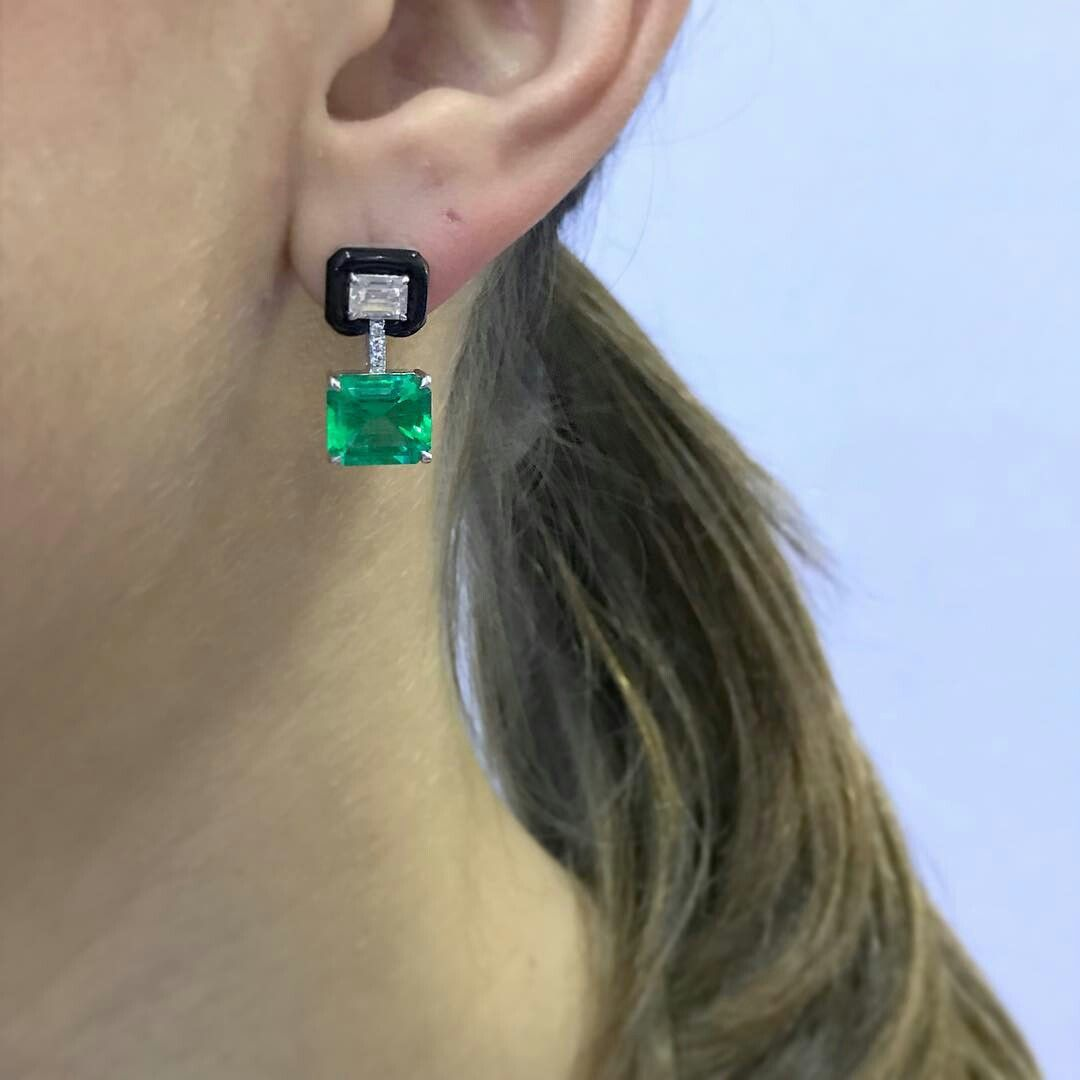 @nikoskoulisjewels. Thankful for doing what I love #nikoskoulisjewels #emeralds ✳️