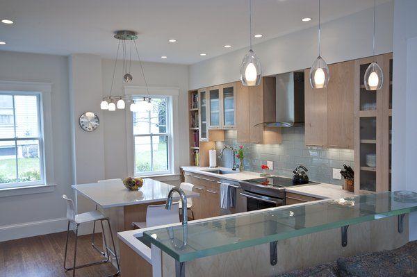 Modern kitchen makeover with ThinkGlass breakfast bar, specchio ...