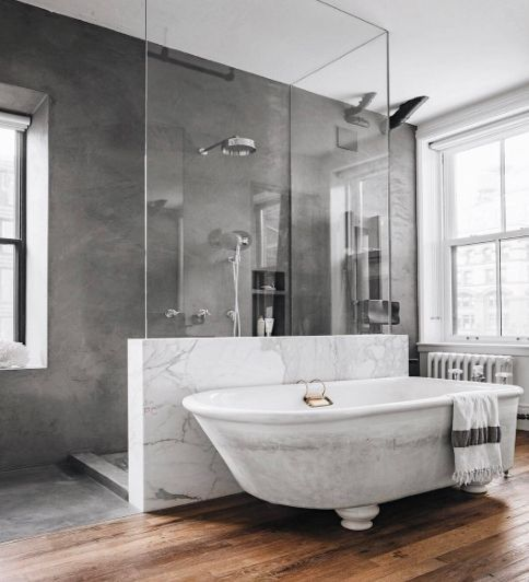 Streamlined and clean bathroom