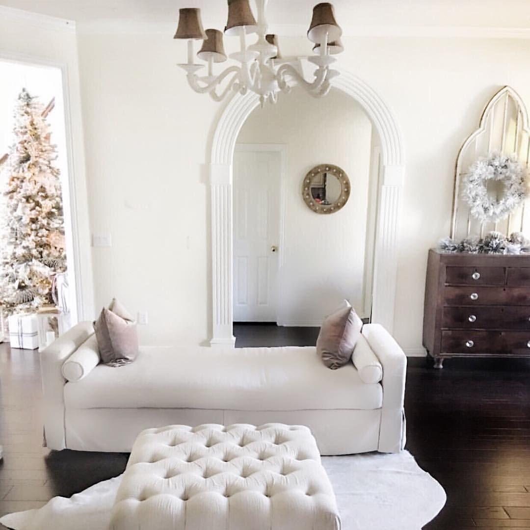 White Christmas decor. Modern farmhouse. Modern farmhouse Christmas ...