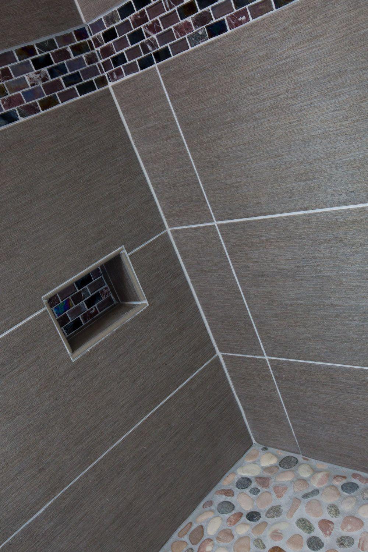 Designed by interior designer elizabeth bland this lake - Light grey bathroom tiles designs ...