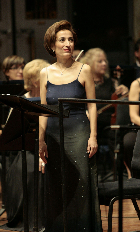 La Orquesta Filarmónica de la Ciudad de México dio un concierto en el Palacio de Bellas Artes, con la soprano Gabriela Herrera.  Foto: Abril Cabrera A.