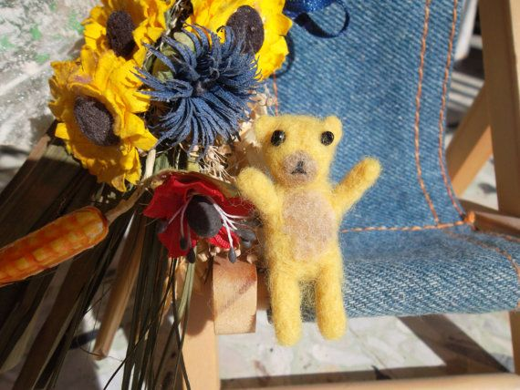 Needle felted bear miniature mini tiny felted bear di MondoTSK