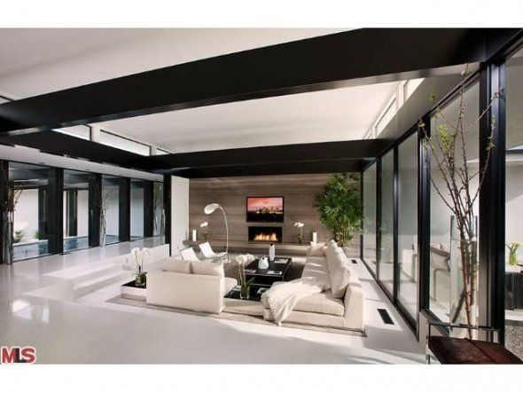 vera wang's beverly hills home. love the straight lines, modern/clean minimalism, and uncluttered look.