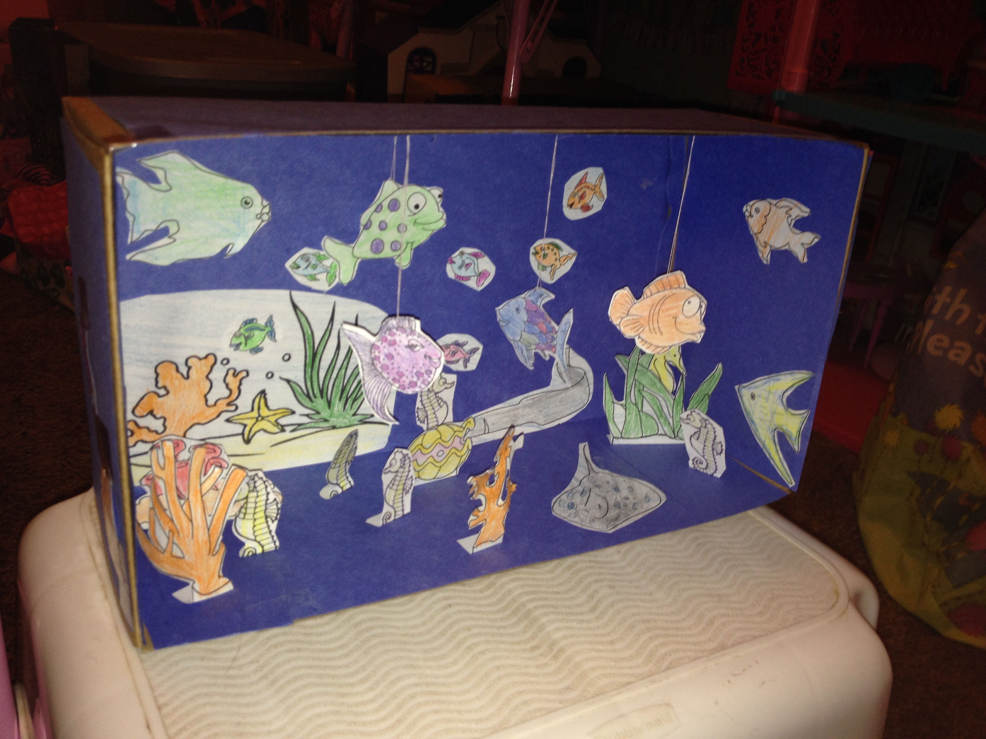 how to make a fish tank with cardboard