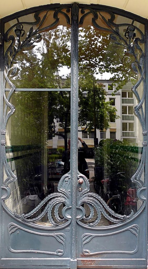 Art Nouveau Door in Hamburg-Eppendorf Germany - Photo by Arnim Schulz & Hamburg - Eppendorf - Jugendstil 022 | Hamburg Doors and Gates