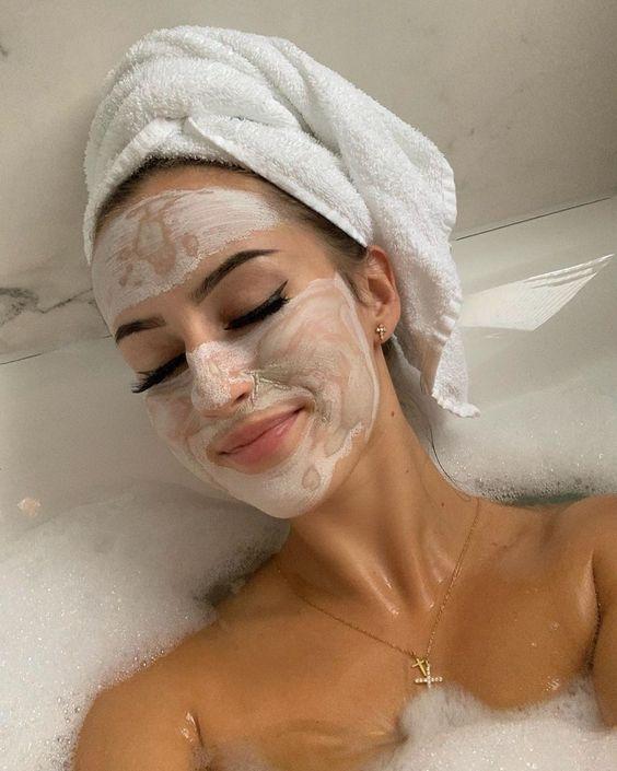 6 Mascarillas caseras baratas para relajar y limpiar la piel