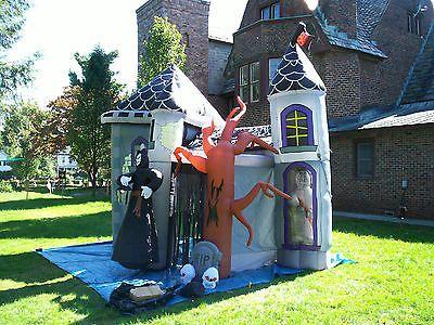Gemmy Halloween Christmas Airblown Inflatable Haunted House Castle Yard Decor Yard Decor Halloween Christmas Haunted House