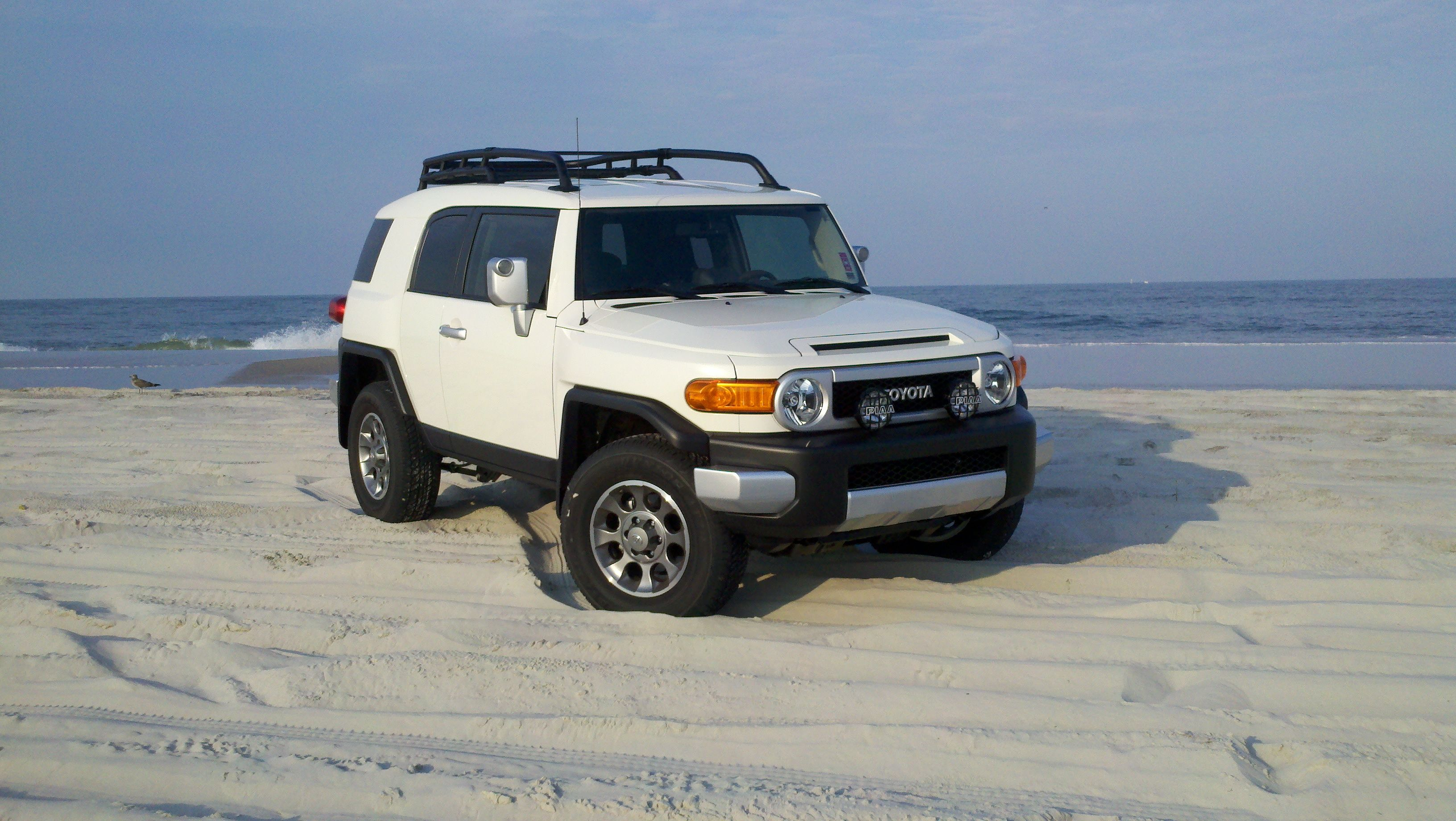 FJ Cruiser Iceberg White  Fj Cruiser  Pinterest  Click Keys