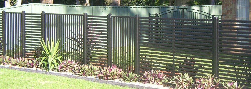 slat fencing combo of vertical & horizontal panels