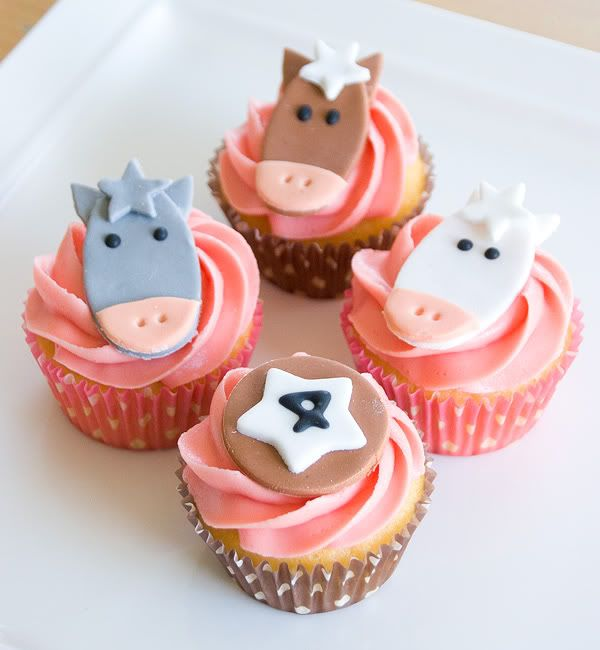 Horse cupcakes Cupcakes Pinterest Horse Cake and Birthdays