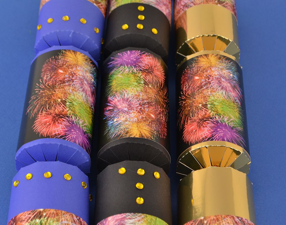 Remember remember the fifth of november fireworknight make your own crackers with our huge range of fill your own christmas cracker kits and supplies from cracker snaps and cracker fillers to christmas solutioingenieria Choice Image