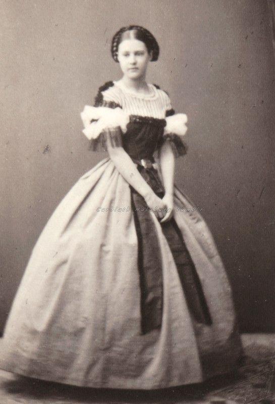 Archduchess Maria Theresia of Austria-Teschen. Early 1860s