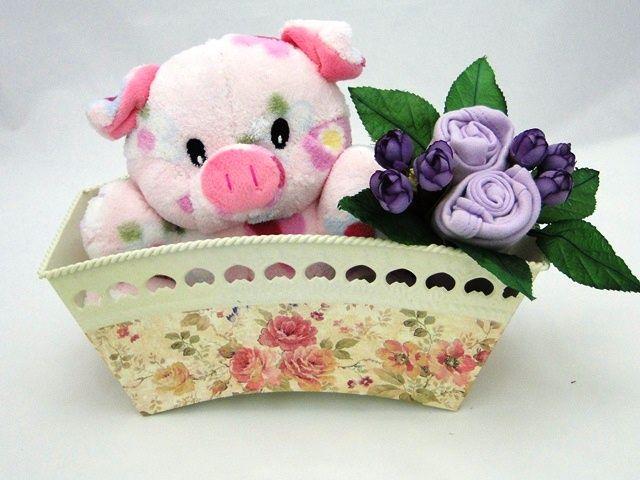 Porquinha de pelúcia+body lilás manga curta em formato de flor!