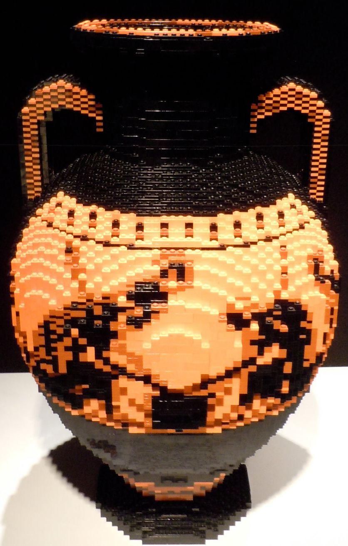 Nathan Sawaya - Sculptures en Lego - Amphore Grecque - Ajax et Achille