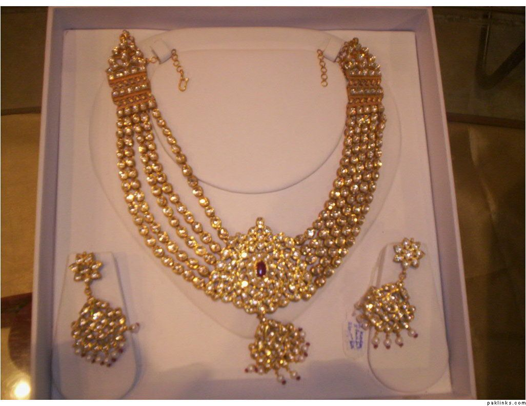 Indian Bridal Jewelry Kundan Click image to review more details