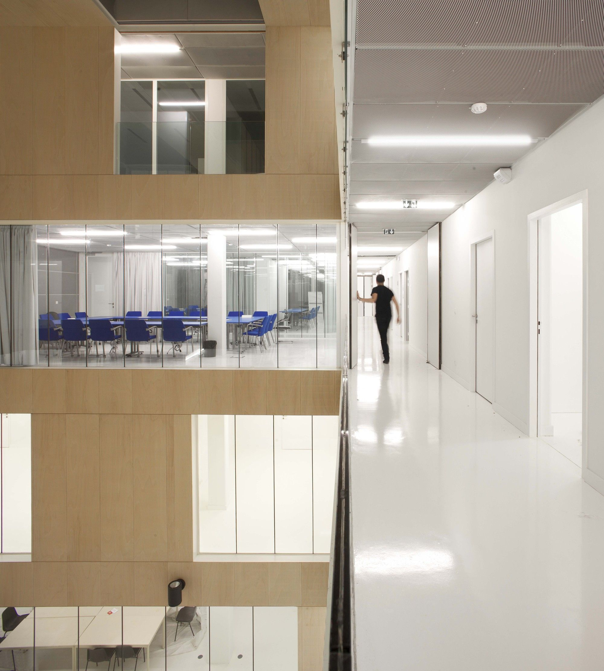 Gallery Of Head Offices Of Social Security For French Citizen Abroad Bvau 15 Office Building Wall Deco Glass Facades