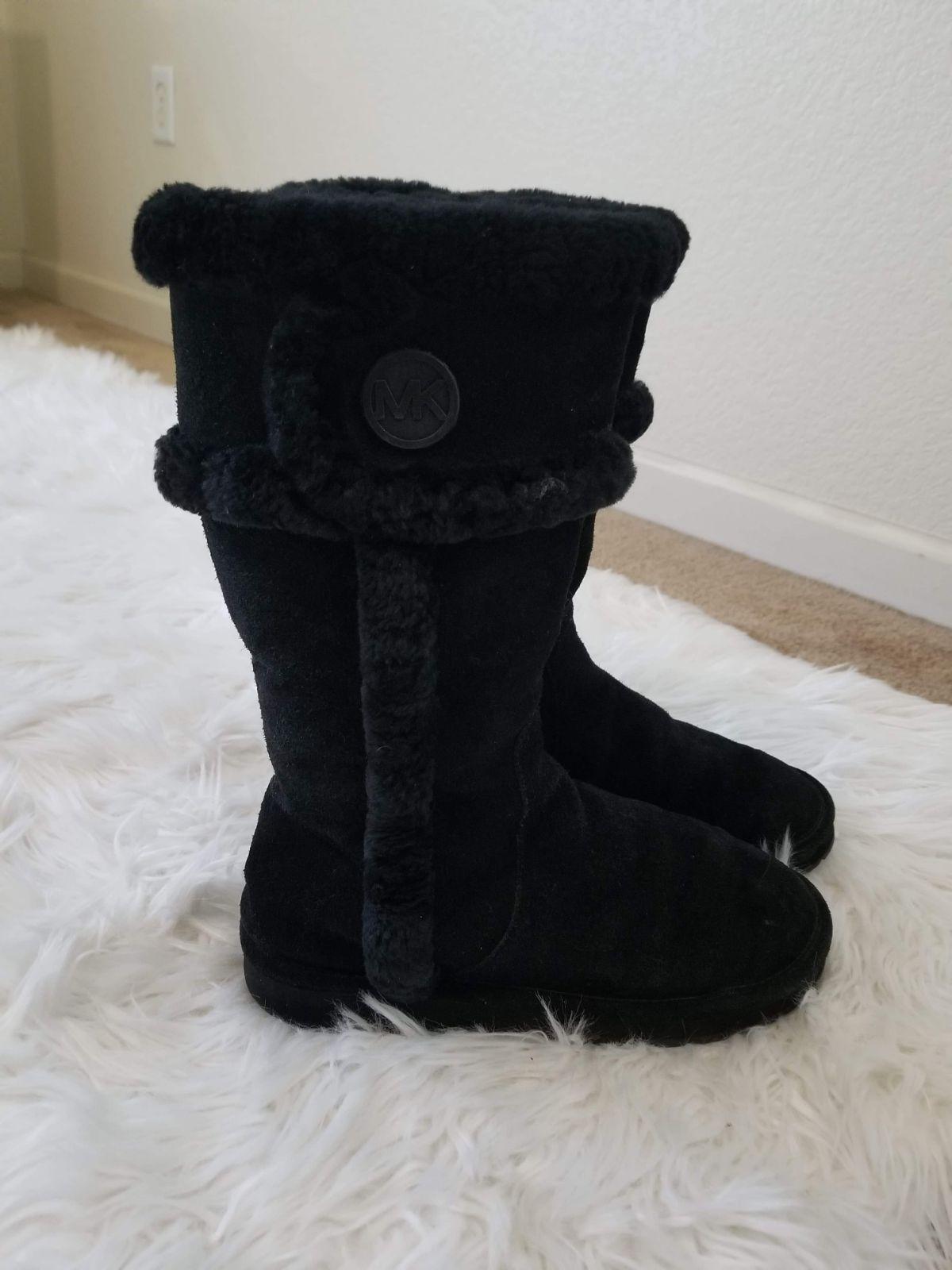 Black MK boots Genuine Sheep Fur Very