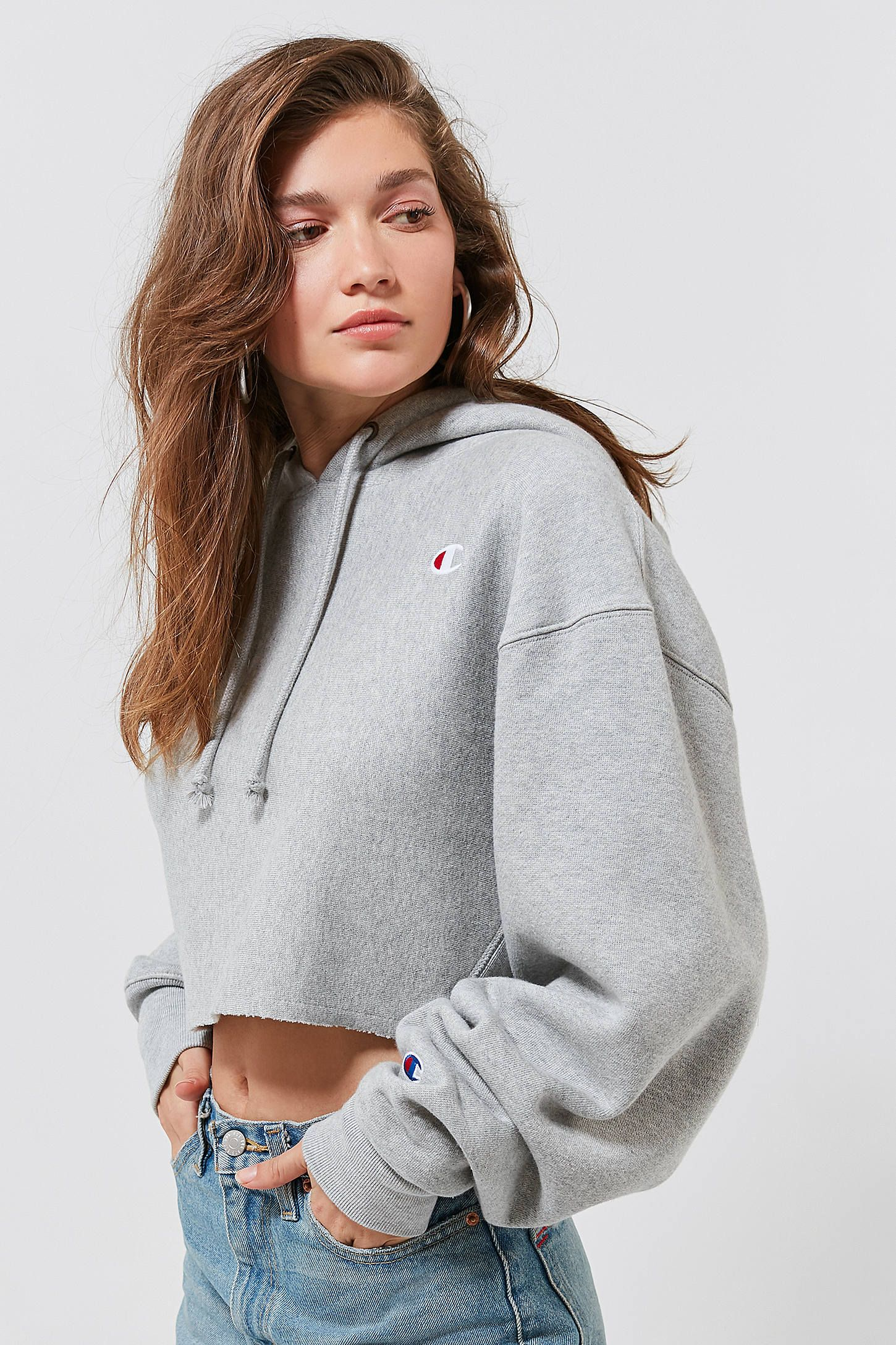 6a9c8aea050 Champion UO Exclusive Cropped Hoodie Sweatshirt in 2019 | Outfit ...