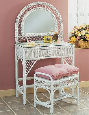Perfect Wicker Vanity ~ I Have This Vanity In Natural Color With A Floral Cushion.