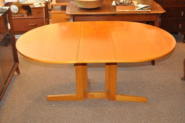 Item #J1577b Vintage Drop Leaf Dining Table on Pedestal Base c.1970s | Mccarneys Furniture