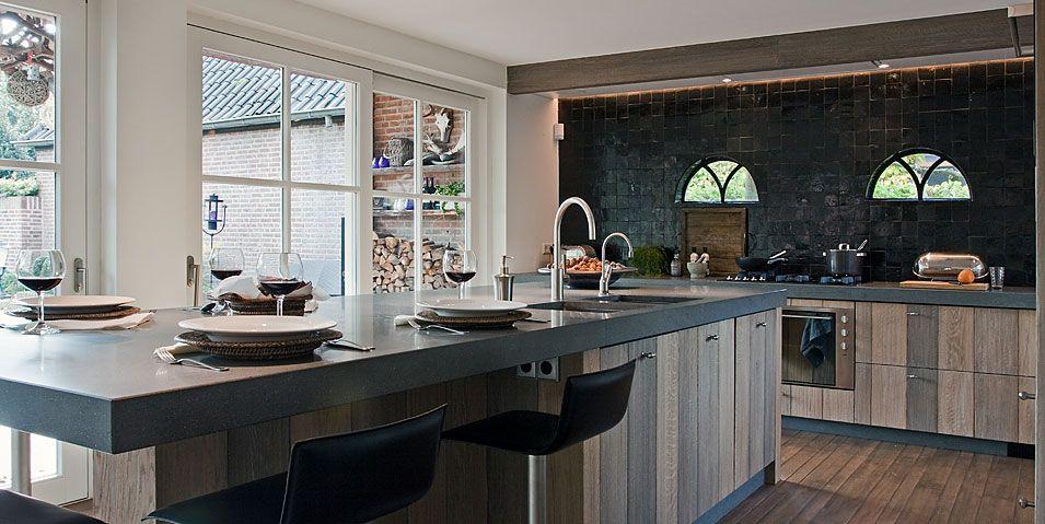 Landelijke woon leef en bijkeuken van tinello keuken for Landelijk modern interieur