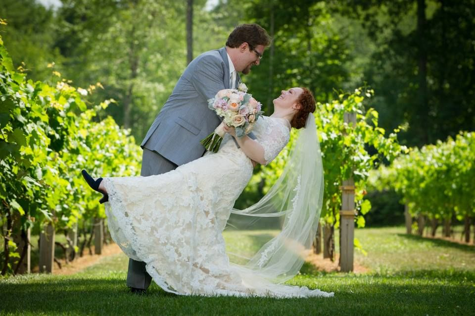 Danielle And Andrew S Wedding At Zorvino Vineyards Tom Gibbbons Photography Vineyard Wedding Wedding Zorvino Vineyard