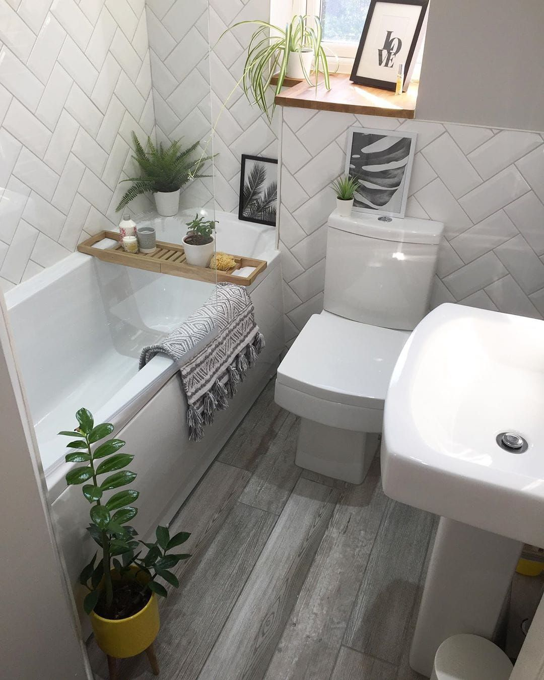 These Gray Bathroom Ideas Are Total Candy For Your Eyes