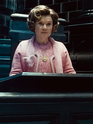 Dolores Umbridge Cat Scarf Pattern Google Search Dolores Umbridge Harry Potter Umbridge Harry Potter Halloween Party