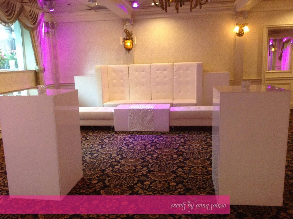 The after party set up - all white, lots of lounge furniture with sparkle.  A fabulous way to end the evening!